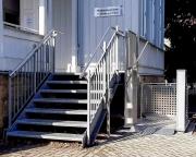 Treppenlift-zum-Medienzentrum-1