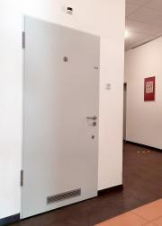 barrierefreie-Toilette-neben-der-Mensa-1