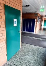 barrierefreier-Waschraum-Neue-Halle-1